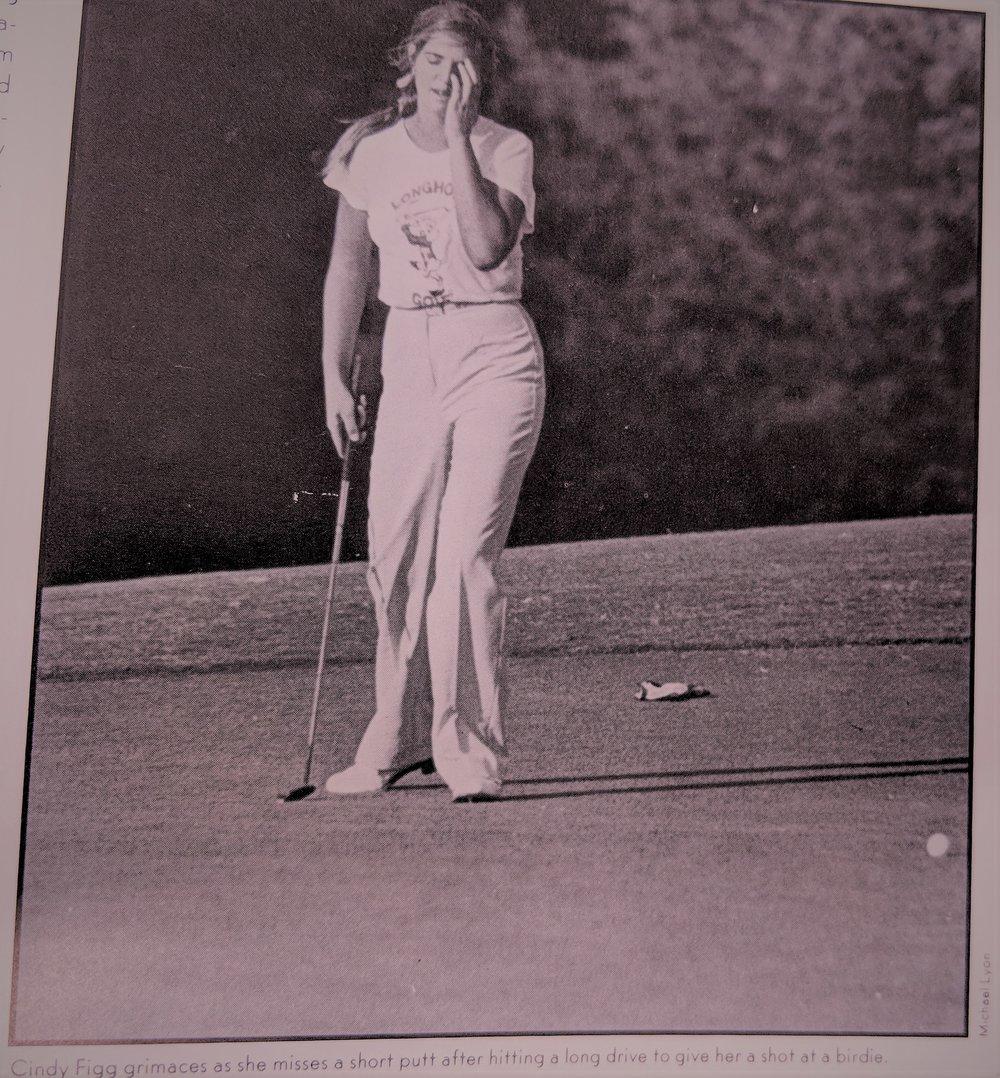 Cindy Figg missing a putt
