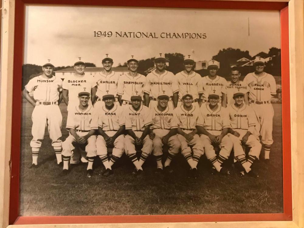 1949 baseball team.jpg