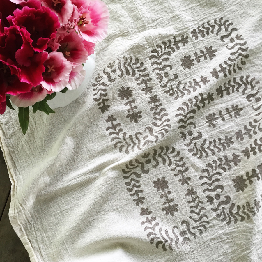 Giardino towel printed on cotton