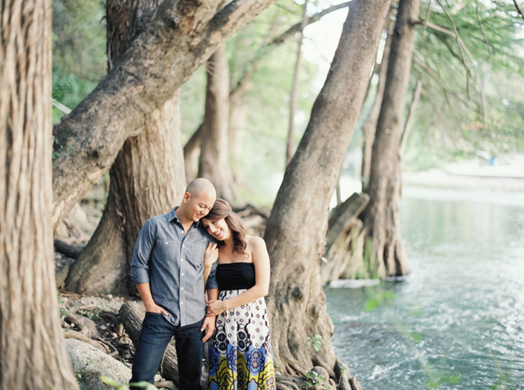 LOFT PHOTOGRAPHY RIVER ENGAGEMENT SESSION PHOTO