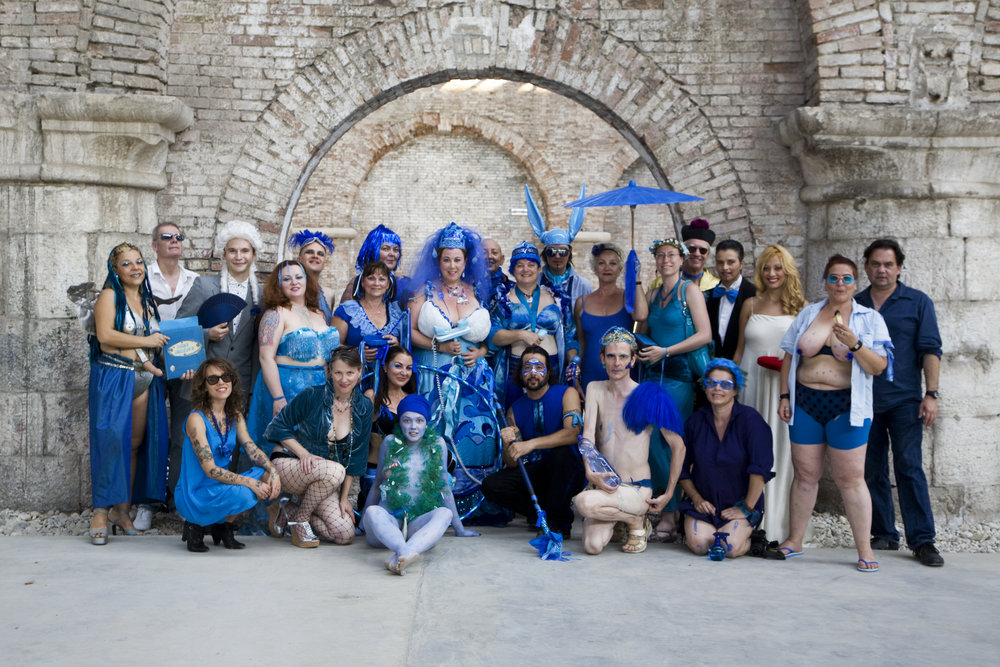 blueweddinggrouppress.jpg