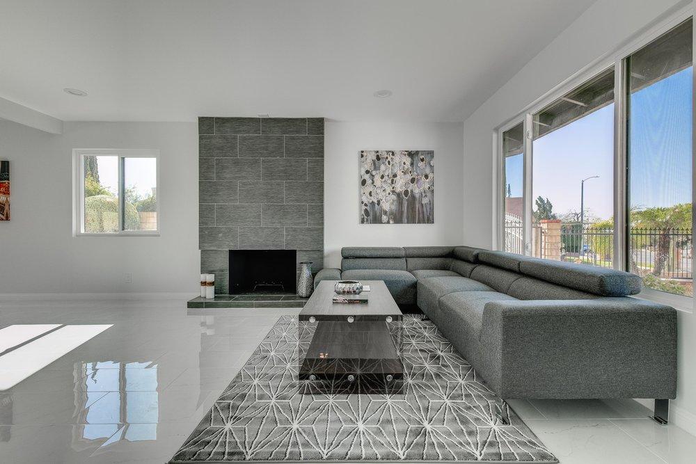 Living Room - WEB OPTOMIZED.jpg