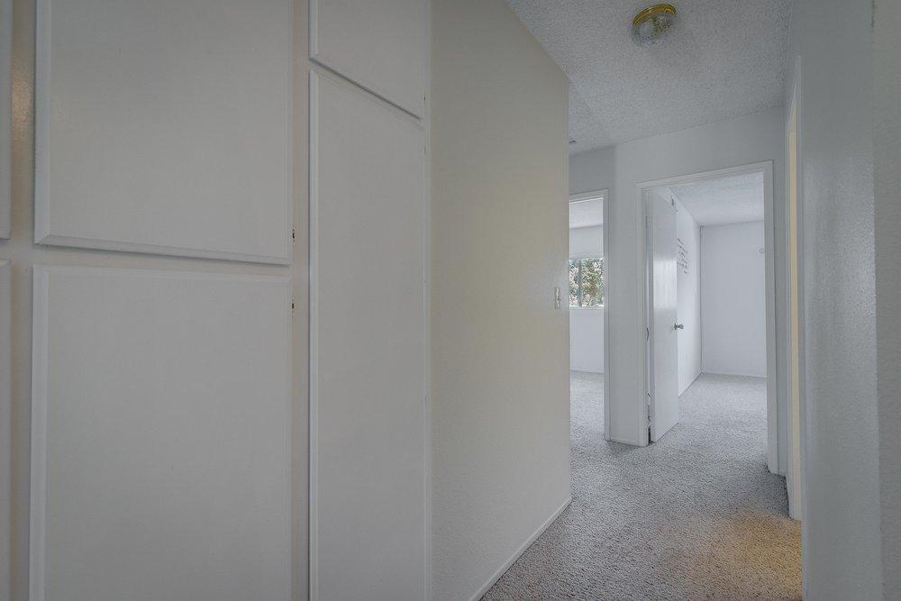Hallway - WEB OPTOMIZED.jpg