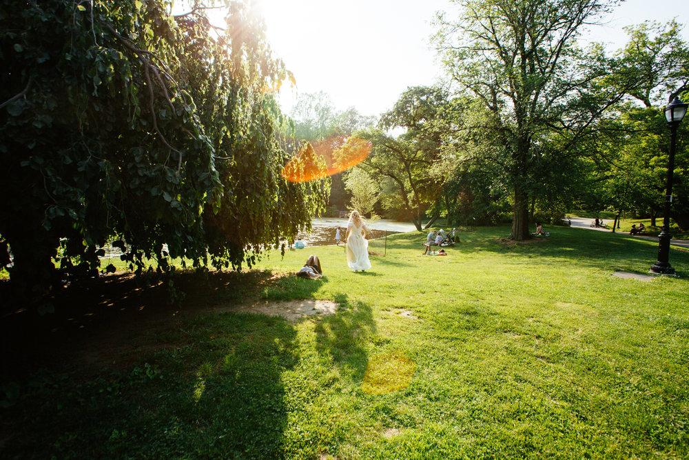 HeatherPhelpsLipton-Modern-Wedding-Photography-ProspectPark-PicnicHouse-summer-14.jpg