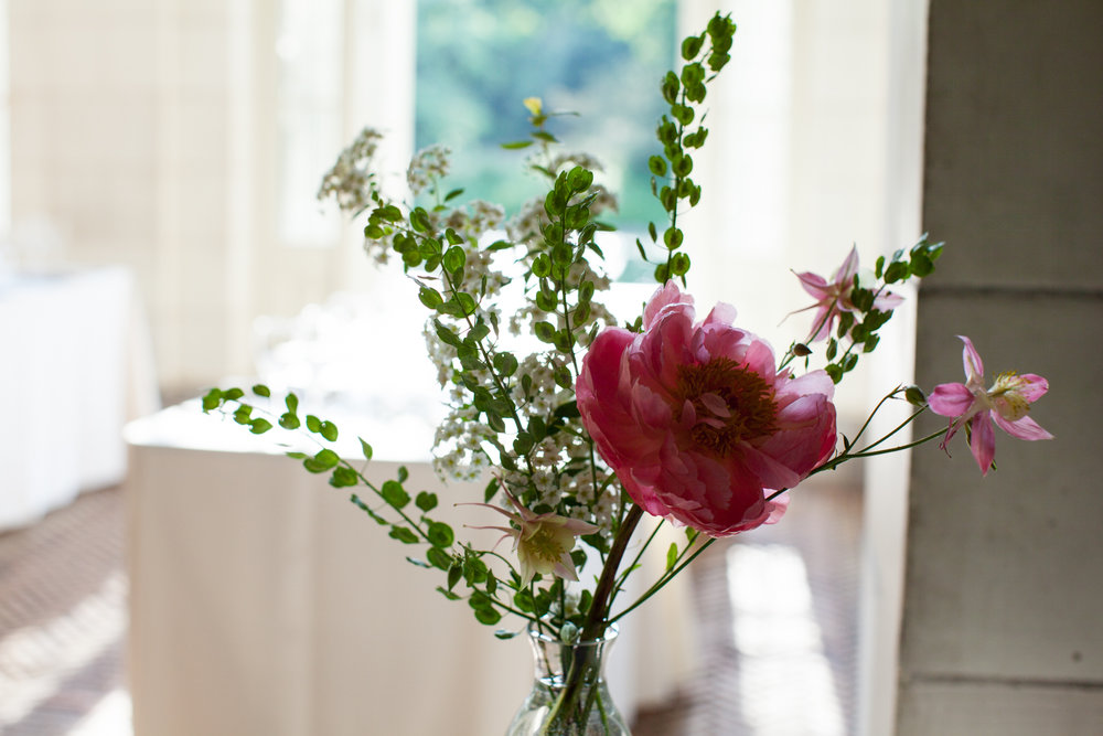 HeatherPhelpsLipton-Modern-Wedding-Photography-ProspectPark-PicnicHouse-summer-35.jpg