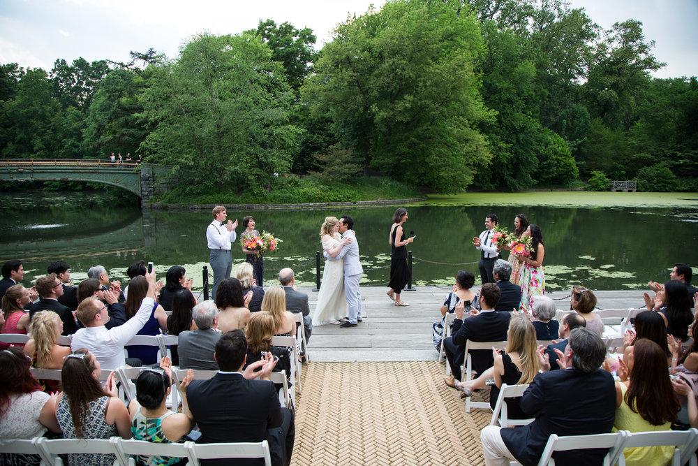 HeatherPhelpsLipton-Modern-Wedding-Photography-ProspectPark-PicnicHouse-summer-57.jpg