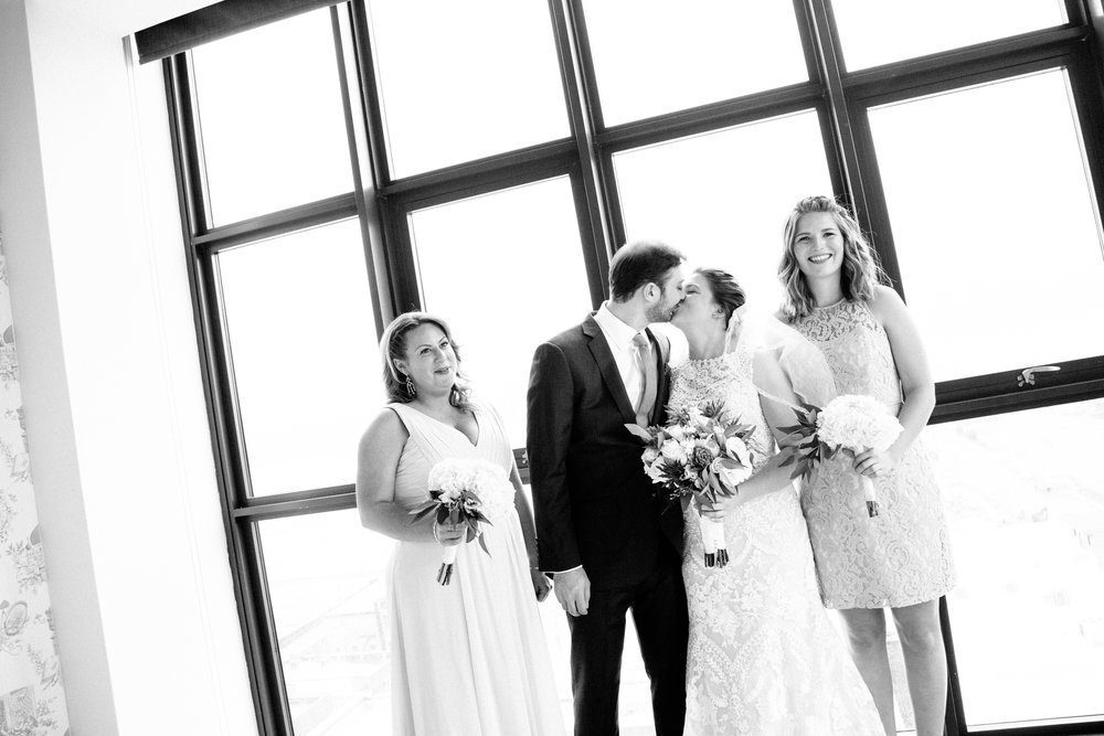HeatherPhelpsLipton-Modern-Wedding-Photography-Wythe-Brooklyn-19.jpg