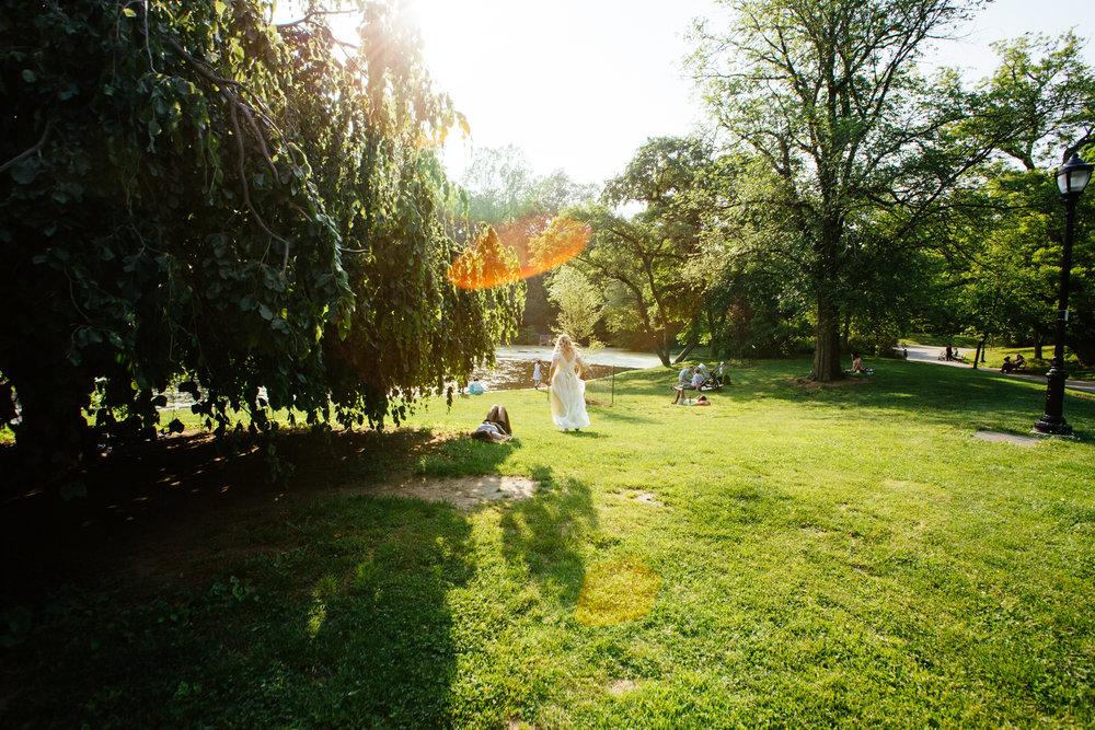 HeatherPhelpsLipton-Modern-Wedding-Photography-ProspectPark-PicnicHouse-summer-50.jpg