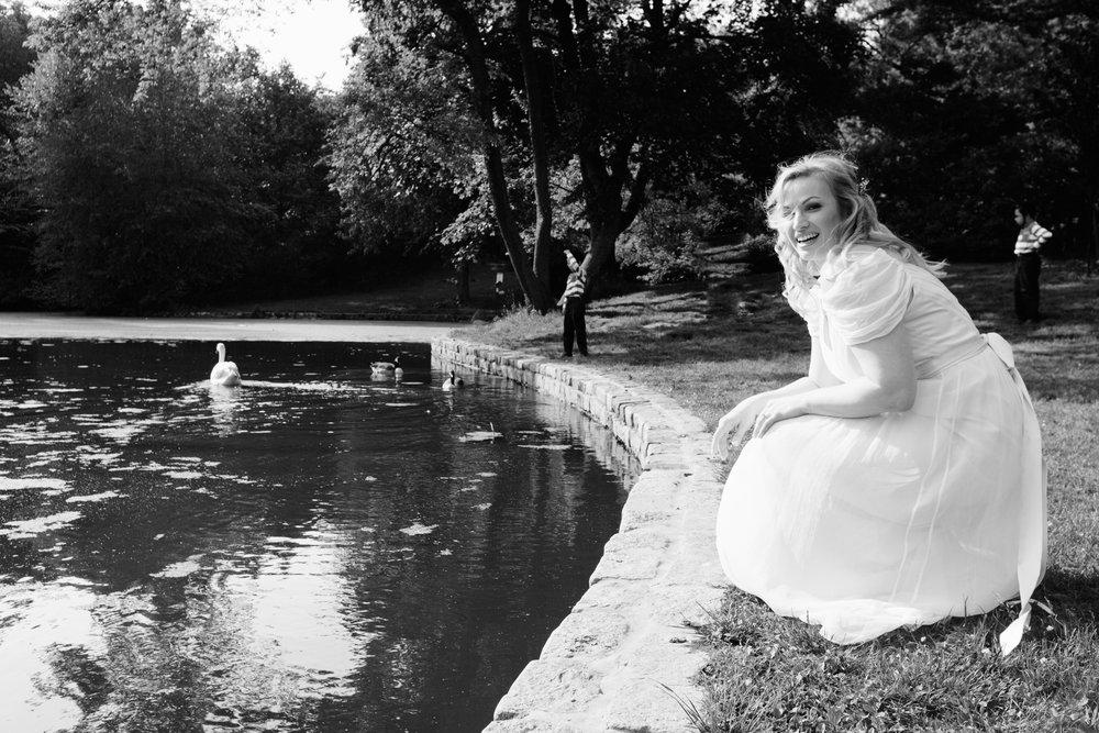 HeatherPhelpsLipton-Modern-Wedding-Photography-ProspectPark-PicnicHouse-summer-49.jpg