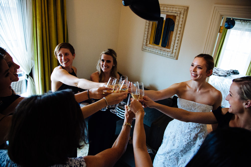 HeatherPhelpsLipton-Modern-Wedding-Photography-ProspectPark-PicnicHouse-summer-13.jpg