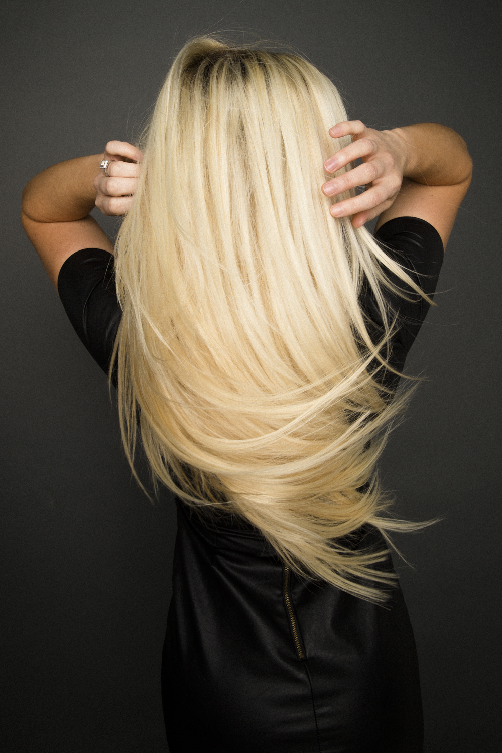 LOCK'N LONG HAIR EXTENSIONS PHOTO: PRODUCT SHOTS