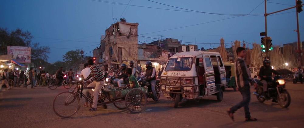 India_Street_01.jpg