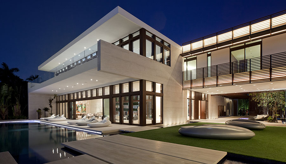 minimallyacclaimed: 3 INDIAN CREEK DR by Rene Gonzalez Architect Situated near Miami's Biscayne Bay, the mansion grants truly a unique level of privacy and security, this 300-acre island includes just 32 luxury waterfront estate residences and a world-renowned private 18-hole golf course and Country Club. Wow.
