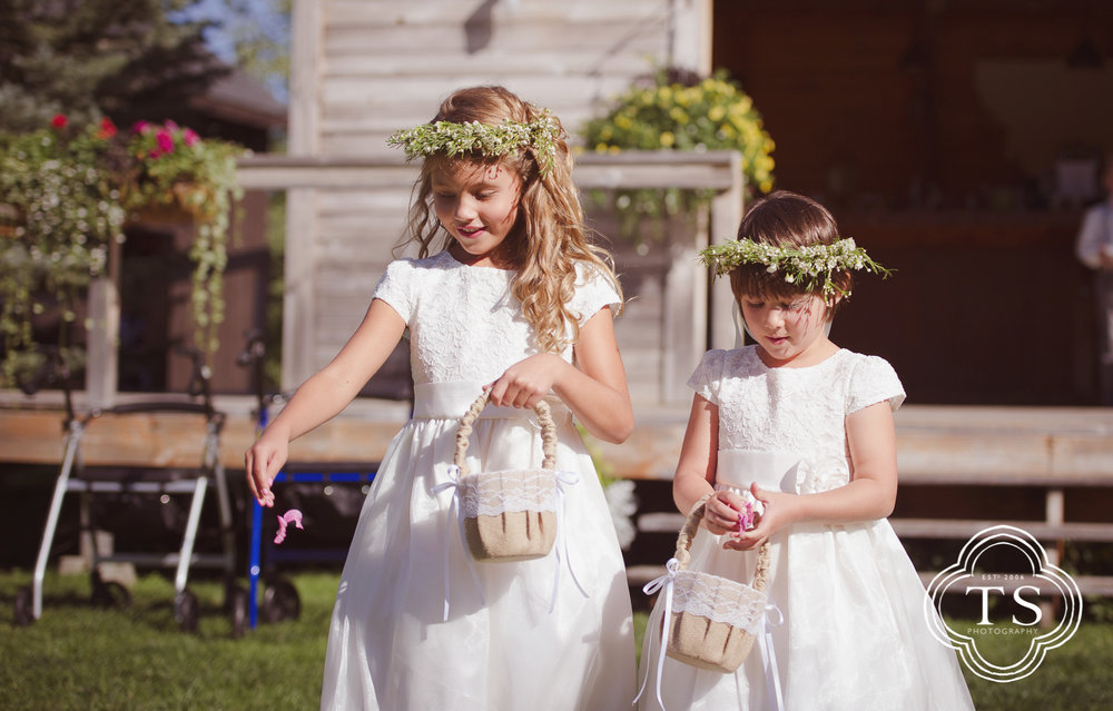 flowergirls at wedding