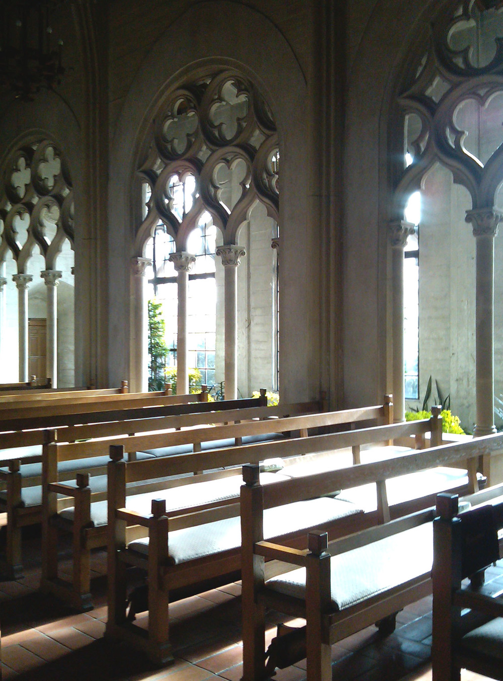 Chapel of Chimes interior 1.jpg