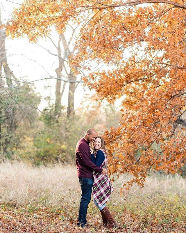 Guys, my college roommate is engaged, and she is clearly the happiest ever! Her engagement session is on the blog, and it JUST makes me so DARN GIDDY!! I'm so happy for her 😁 ⠀⠀⠀⠀⠀⠀⠀⠀⠀ She and Daniel are basically perfect for each other, and their personalities are totally captured—so fun-loving, silly and in love! ❤️ ⠀⠀⠀⠀⠀⠀⠀⠀⠀ Oh, and fall like TOTALLY showed up 😍👍🏼 ⠀⠀⠀⠀⠀⠀⠀⠀⠀ Happy Friday everyone! 🎉