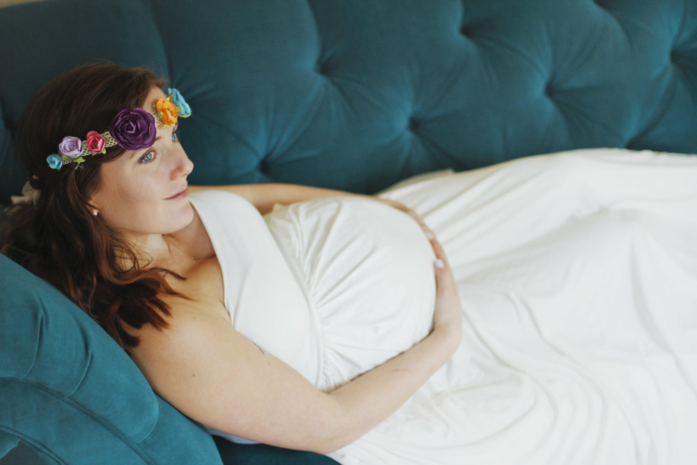 whimsical maternity portrait session