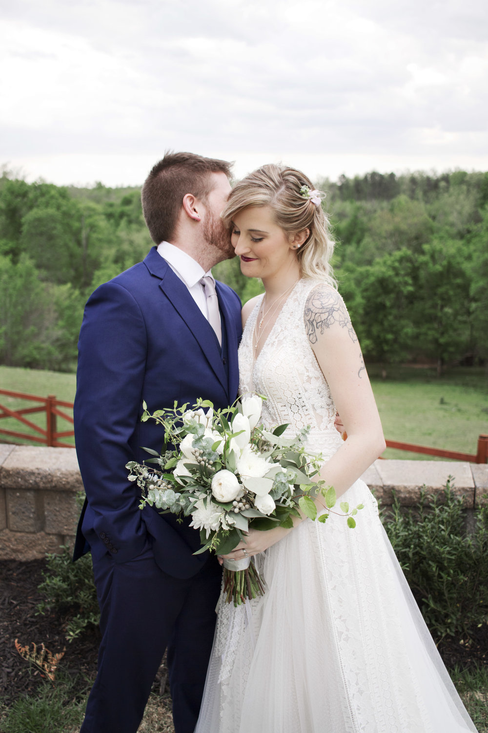 Hideaway at Crooked Creek Wedding by Kayli LaFon Photography