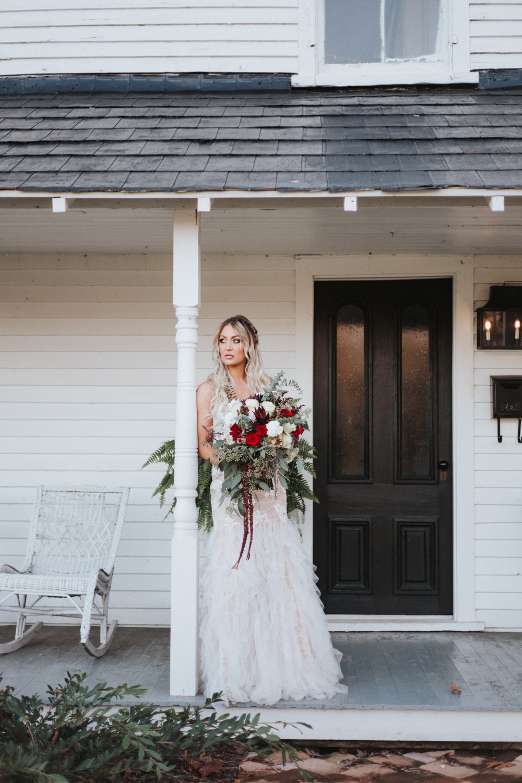 willstella farm styled bride and groom shoot at kernersville wedding