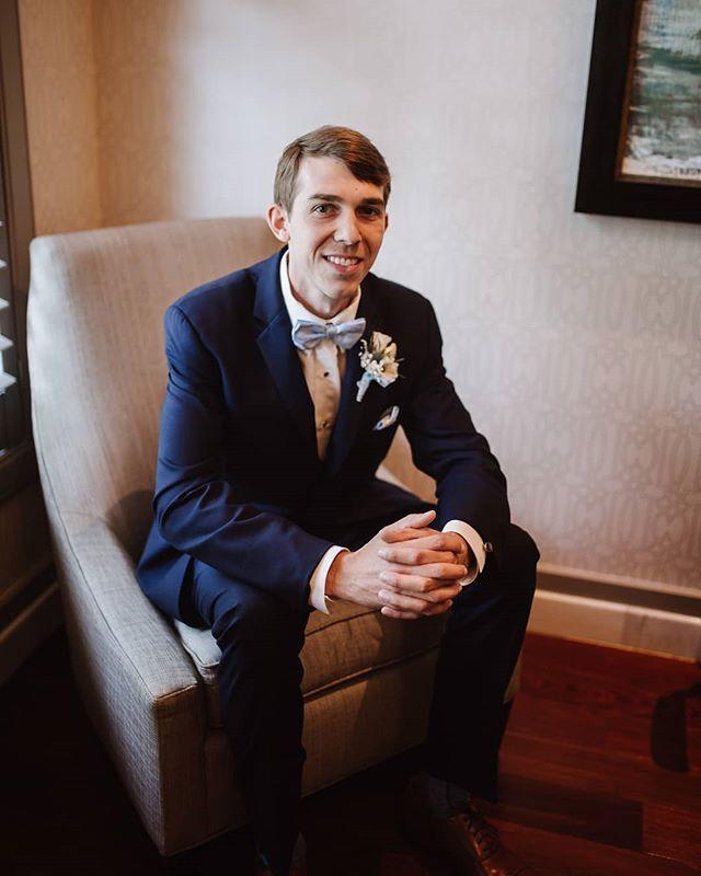 Classy groom shots are always winners 👏👏👏