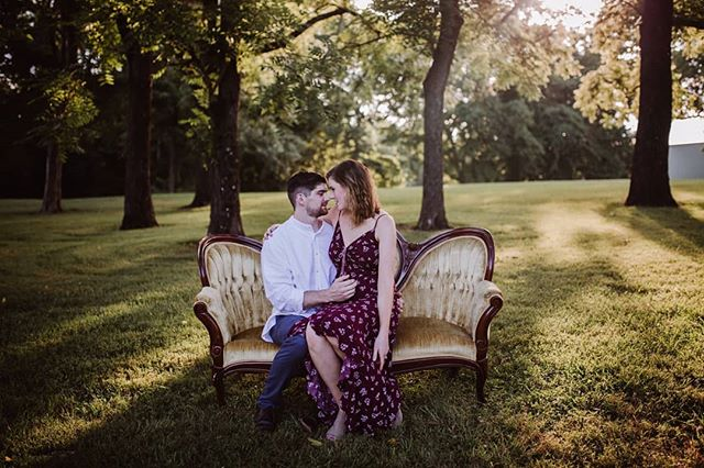 Such a GORGEOUS little baby announcement session! 😍😍 Congratulations Hannah and Chris! Oh and guess what else.. that beautiful couch there? It's one of Hannah's vintage rentals pieces!
