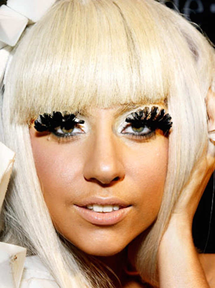 lady-gaga-eyelashes.jpg