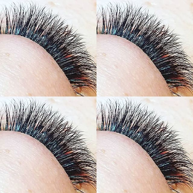 We're kinda obsessed with our 3d handmade lash fans. We used 12mm length, d curl .07mm. Our style is natural, soft, long lasting and designed to enhance YOUR natural beauty. #3dlashes #volumelashes #naturallashes #lalondonlashes #ilovelashes #esmewinterfloodlashsalon #venicelashes #venicebeach #internationalwomensday
