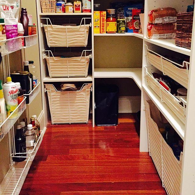 Would you be happy with this awesomely organized pantry? #cleartheclutter #nola #holidayready