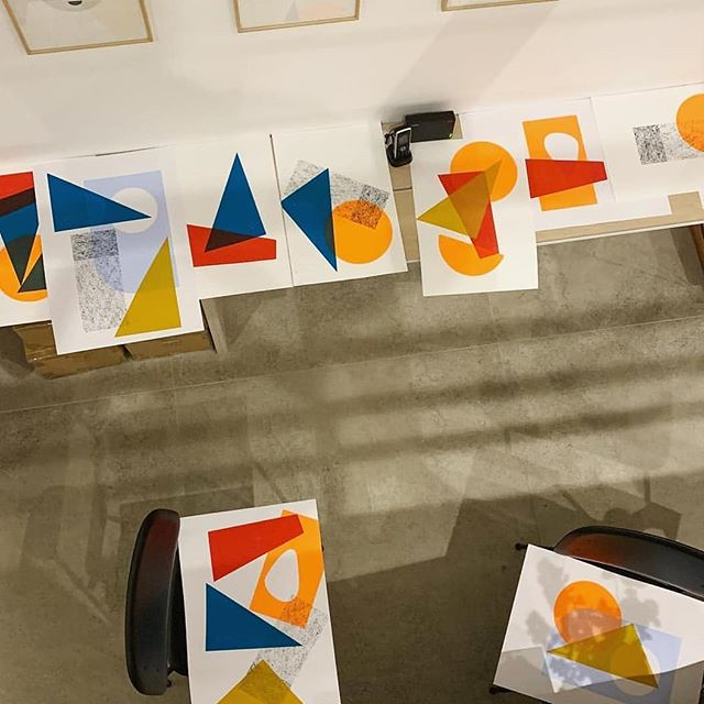 Spent last night printing beautiful block shapes, eating pizza and talking rubbish with @lookupprints and @izzysmithson. Thanks to the guys from @togetherdesign for letting us take over your #togethertuesdays #printmaking #screenprinting #printspotters#liveprinting #workshop #events #lookupprints #walthamstow #teambuilding #abstract #colour #craftevents #togetherdesign