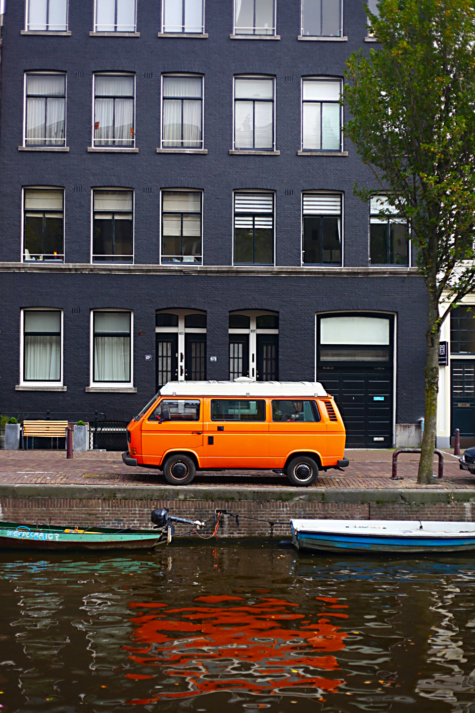 amsterdam_bus.jpg