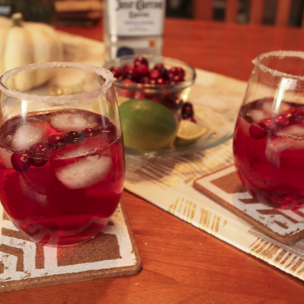 HOLIDAY CRANBERRY MARGARITAS. - NOV. 2015