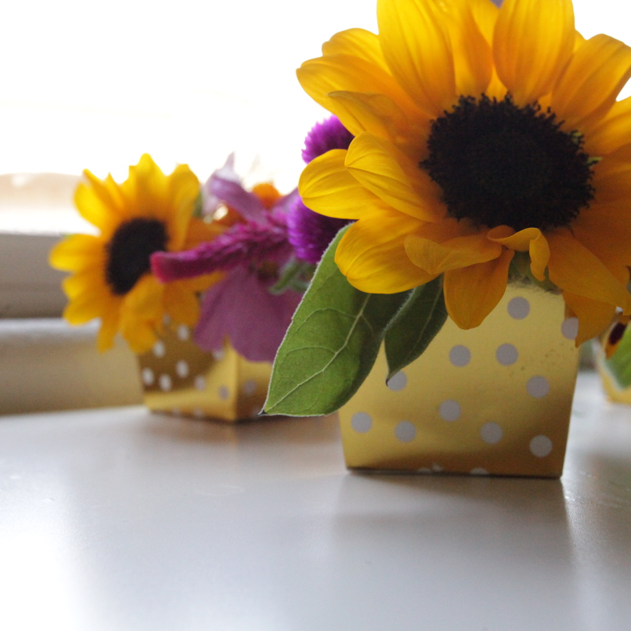MINI FLOWER ARRANGEMENTS. - SEP. 2015