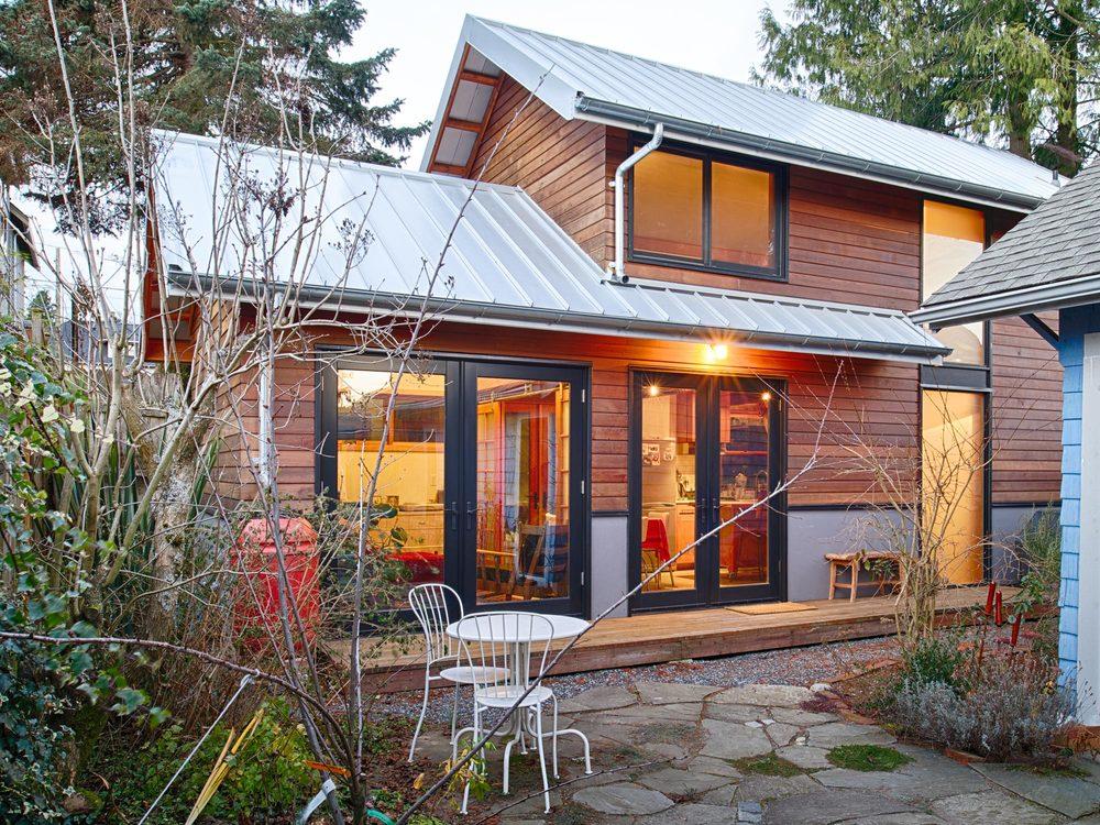 A Rustic Backyardu0026nbsp; Art Studio And Guest Houseu0026nbsp;constructed  Withu0026nbsp;extensive Use Of