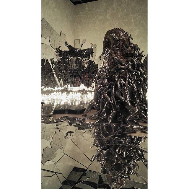 Lee Bul. #futuristic #art #koreanart #korean #exhibition #london #lifestyle #southbank #dramatic #design #sculpture #wanderlust #londonliving #globalart #travelgram #citylife #urbanliving #fragments #scifi #modernart #contemporaryart #contemporary #decorative #alien #abstract