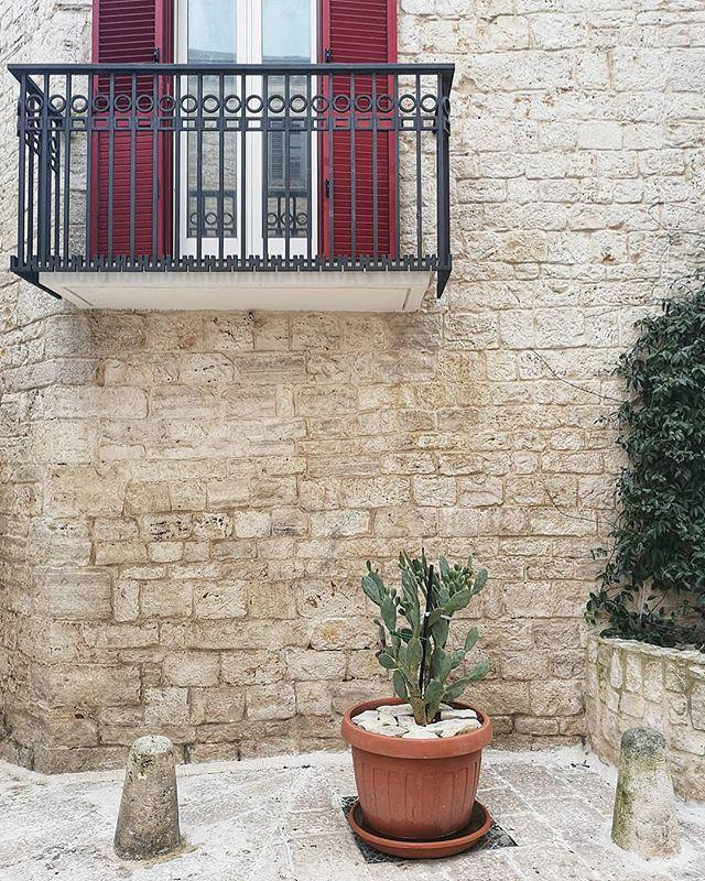 #puglia #italy #italia #architecture #wanderlust #wonderful_places #explore #travel #travelgram #geometry #colours #creative #landscape #southern #southerneurope #southitaly #house #italian #public #geometry #lifestyle #plant #cityscape #europe