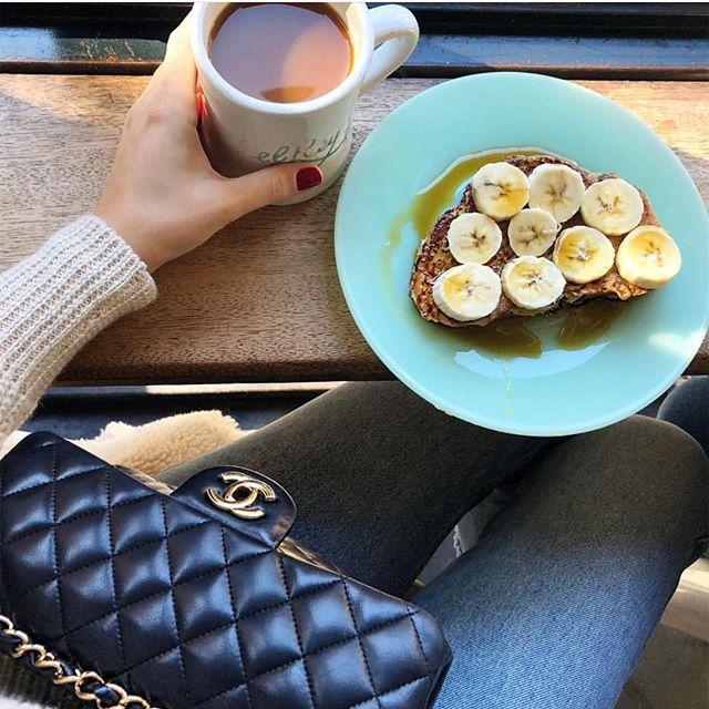 banana 💛 📸:@allegrazerz