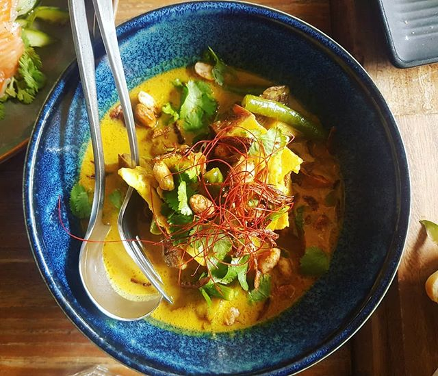 Happy Friday! This weather calls for a scrumptious curry so don't forget to try our... CHICKEN CURRY  Grilled chicken in yellow coconut curry, roasted kumara, beans, candied peanuts, lemongrass, coriander, shallots and  angel-hair chilies served with rice.