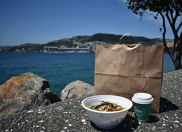 Looking for fresh lunch options?  Try our takeaway salads and take it to your favourite lunch spot!🌞😎👌 Here's our Bang bang chicken best enjoyed in the sunshine and a Mojo Coffee of course.😁