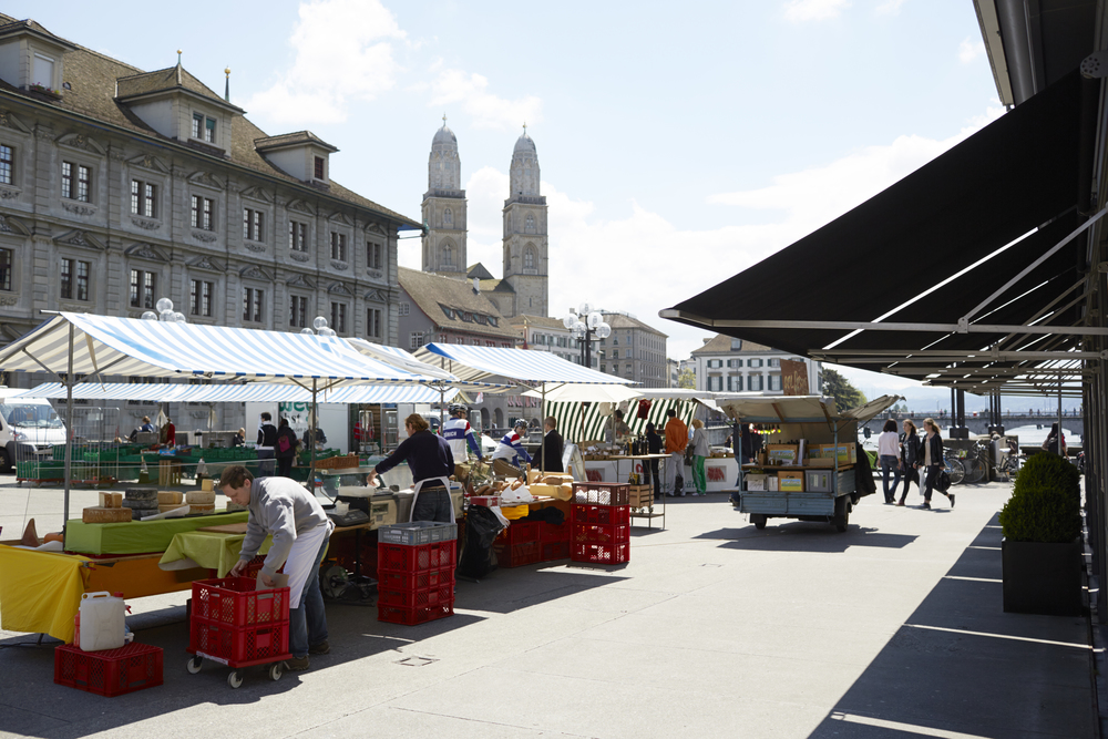 Rathausbruecke Market, Zurich