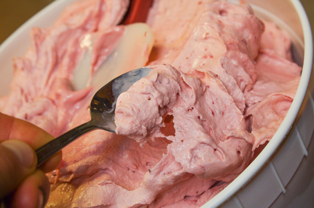 Strawberry Jam Ice Cream from La Cocina de Luz