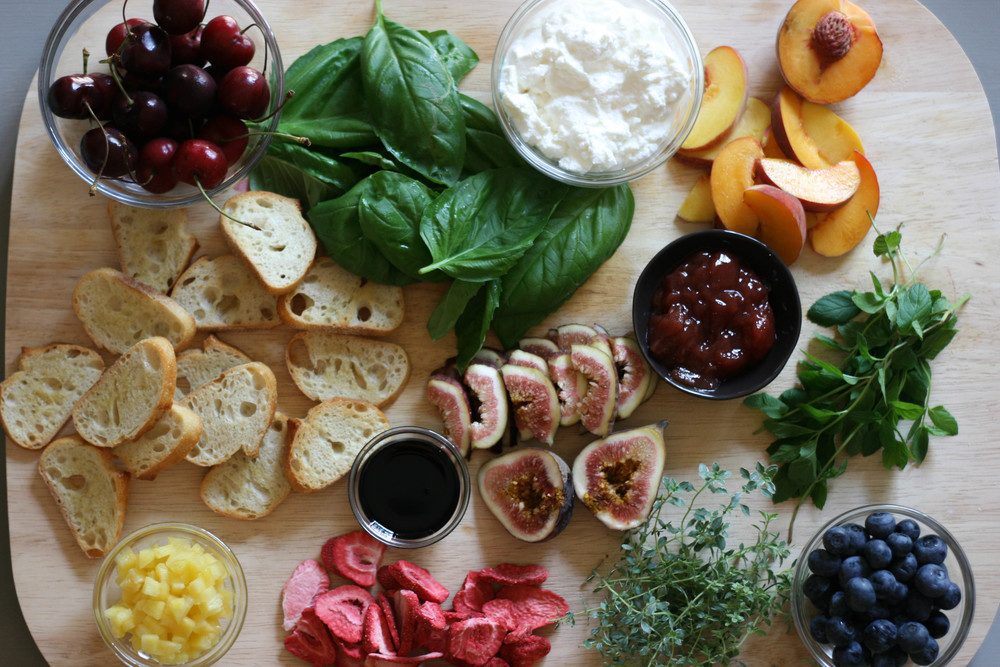fruit bruschetta board