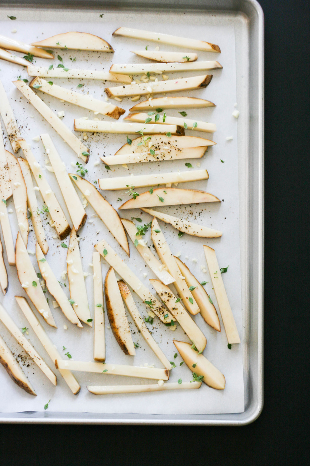 garlic thyme baked fries magnolia thymes