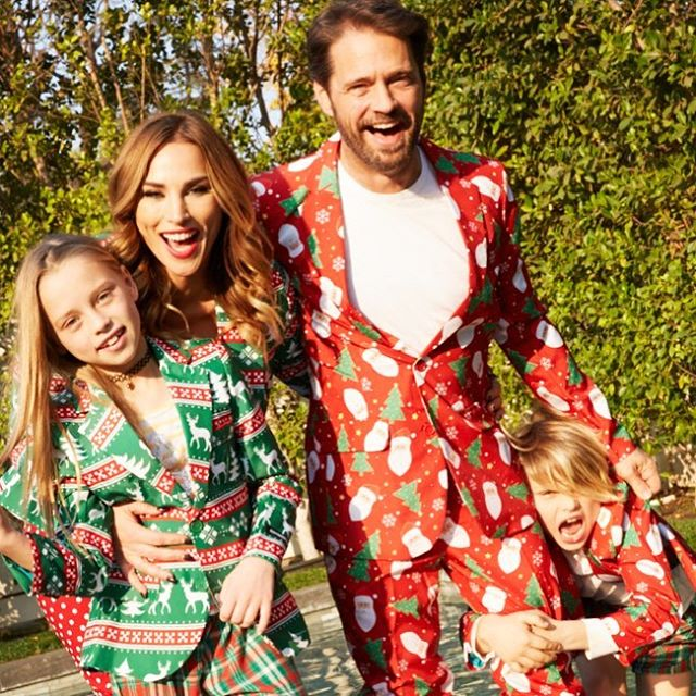 From our family to yours - Merry Christmas 🎁🎄🥂 Wishing you all good health, joy, peace and prosperity for the New Year. Love @jason_priestley @ava.priestley @dashiellpriestley and I ❤️🎄 #christmastime #christmascard #jasonpriestley #naomipriestley #funchristmaspictures @target  #TargetChristmasSuits #familypictures #family #lifesyle #lifestyleblogger #christmasinhollywood  Photo credit @fmurphy #christmas2017 🎄🎅🏼
