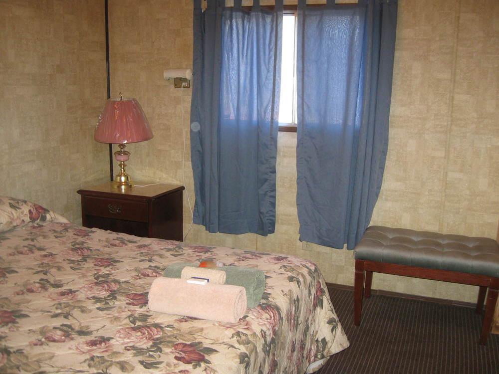 Hostel Room Pictures (9).JPG