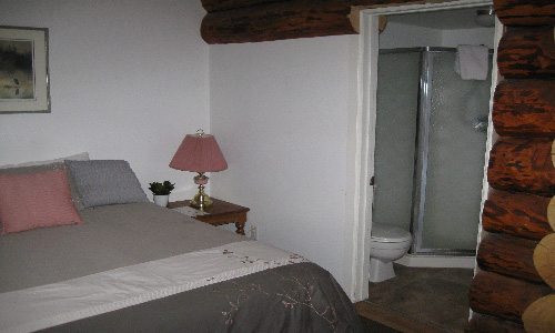 Room 17, Queen Room (7).JPG