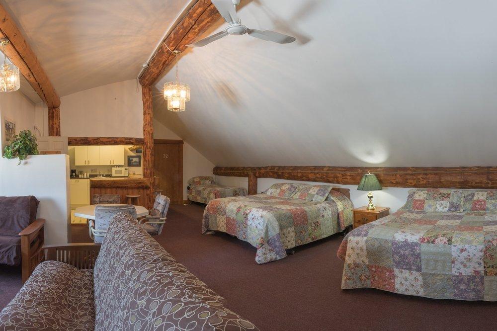 Room 31 (5).jpg
