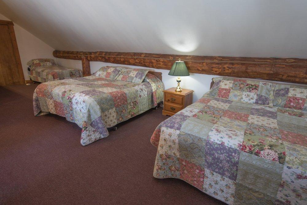 Room 31 (7).jpg