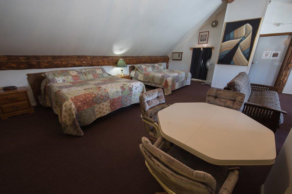 Room 31 (8).jpg