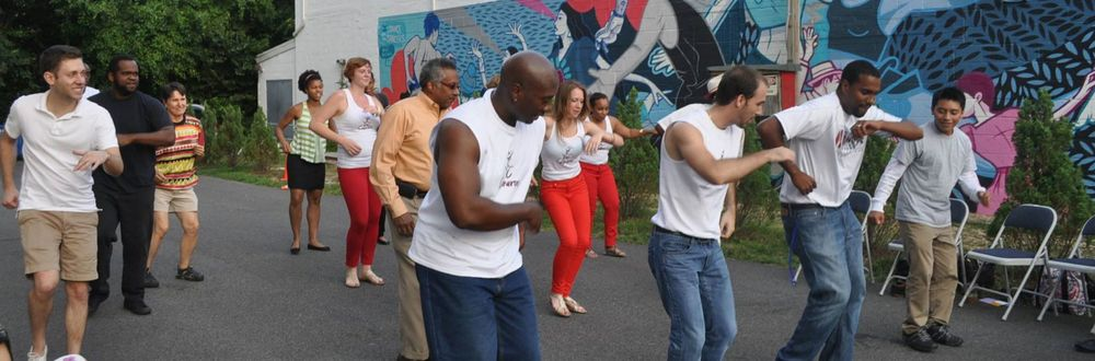 DC Casineros teaching at a community arts event at Dance Place. (Photo: District of Cuba.)