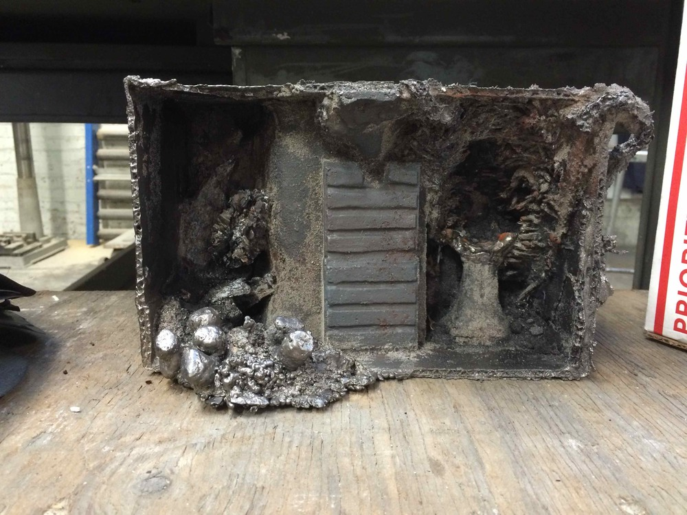 Raw casting in enamel iron